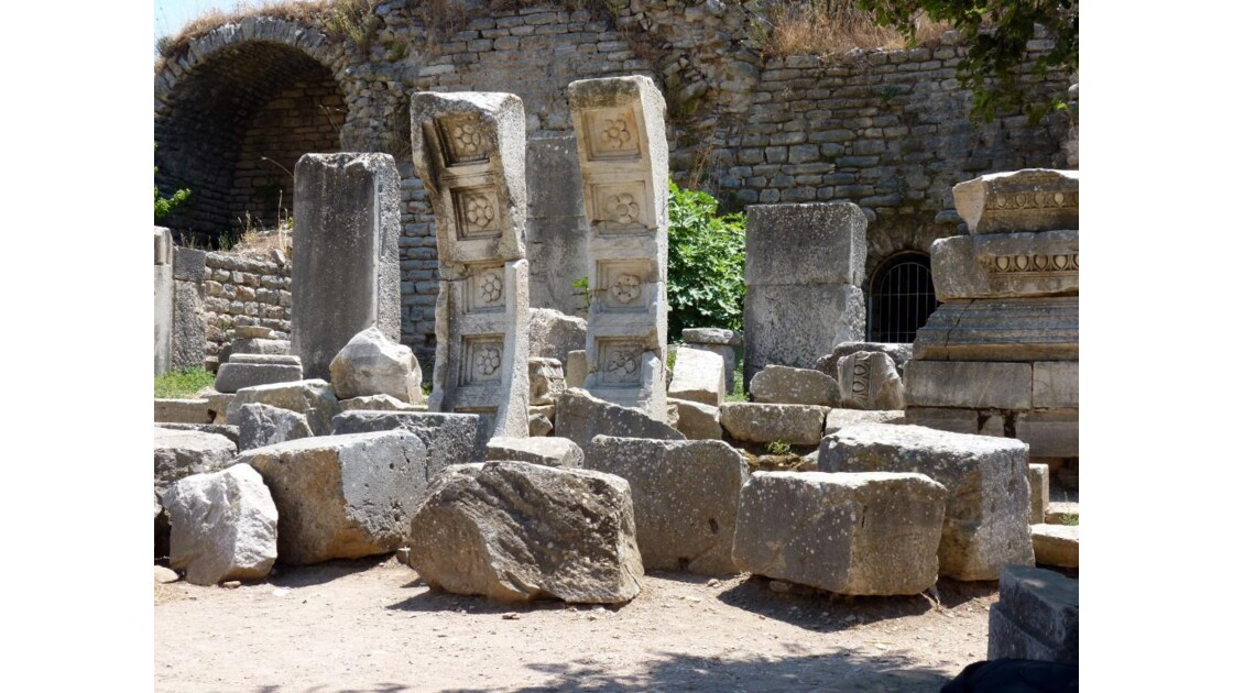Temple de Domitien 4