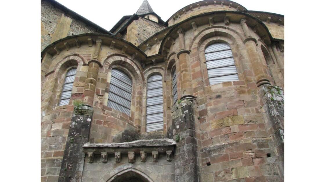 Abbatiale: les vitraux de Soulage