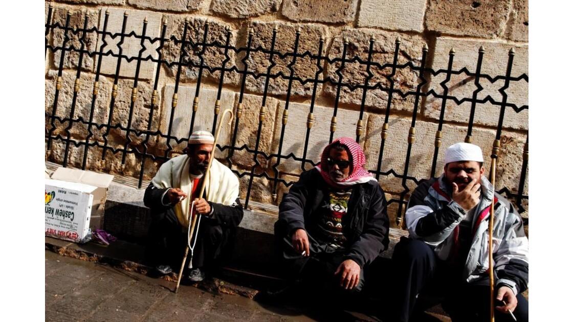 Aveugles dans les rues d'Alep