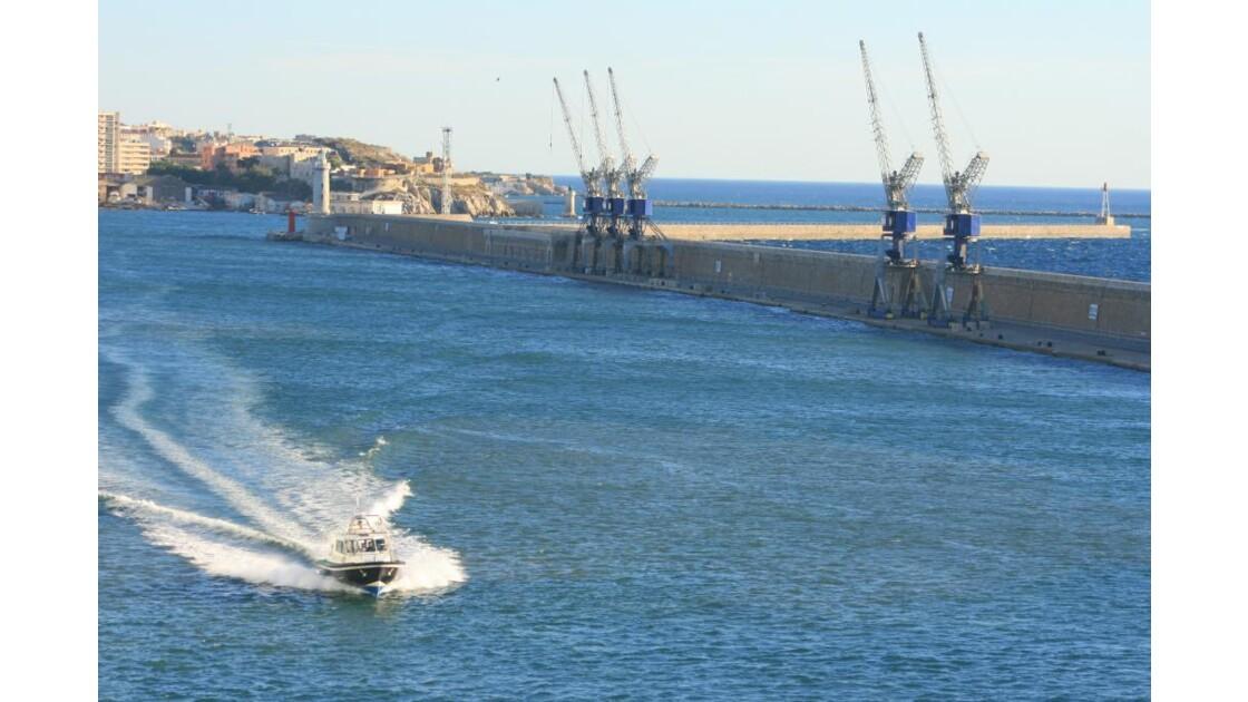 Pilotine au port de Marseille