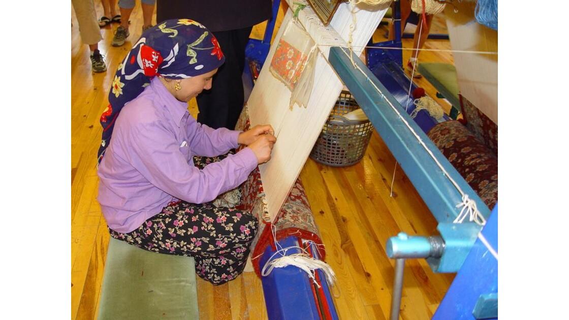 Atelier de tissage de la soie.....