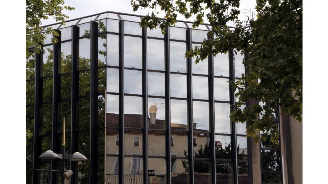 """Cahors : Reflets urbains...(1)"""