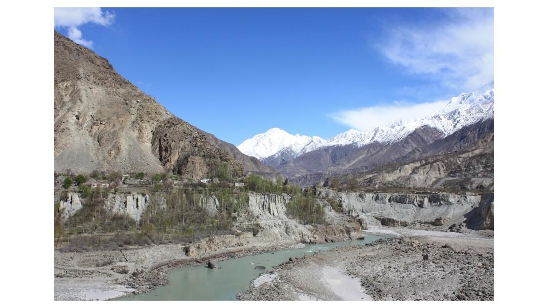 Vallée de l'Hunza, vers Karimabad.jpg