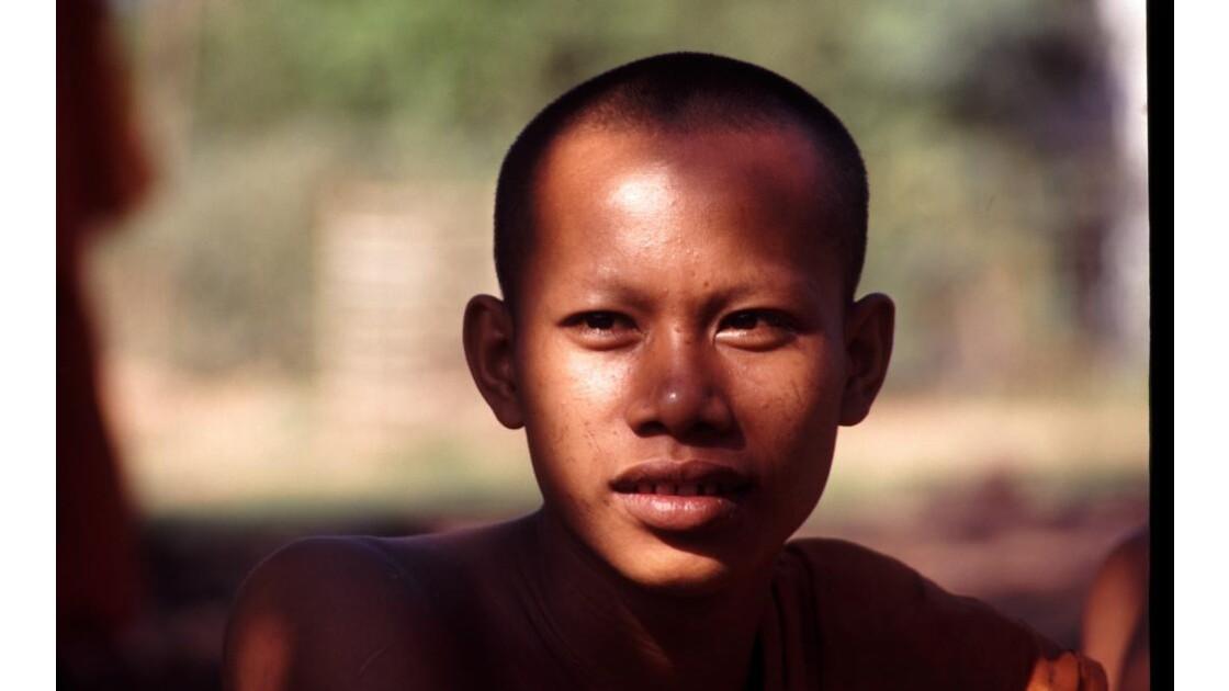 Cambodge Bouddhisme 8 moine