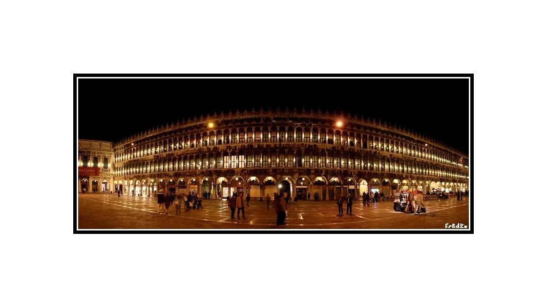 Place Saint Marc  Venise Panoramique.jp