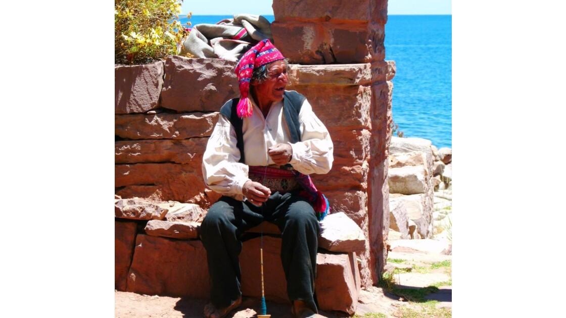 L'homme tricotant