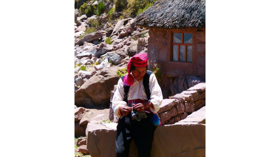 L'homme tricotant 2