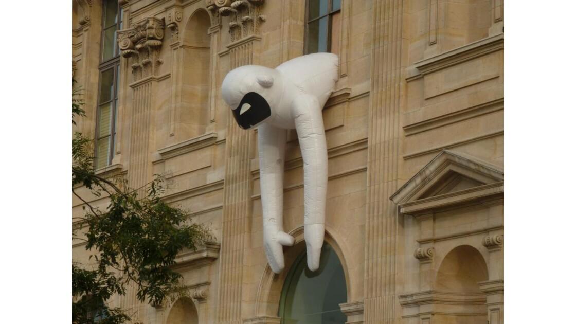 Au Louvre la belle fait gore