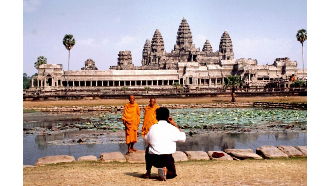 Cambodge Bouddhisme 24 moines Angkor