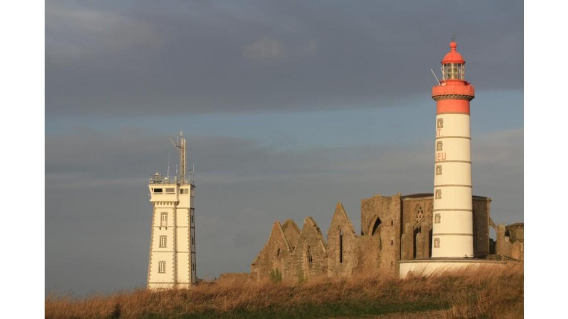 Lumière sur le phare et l'abbaye !!!