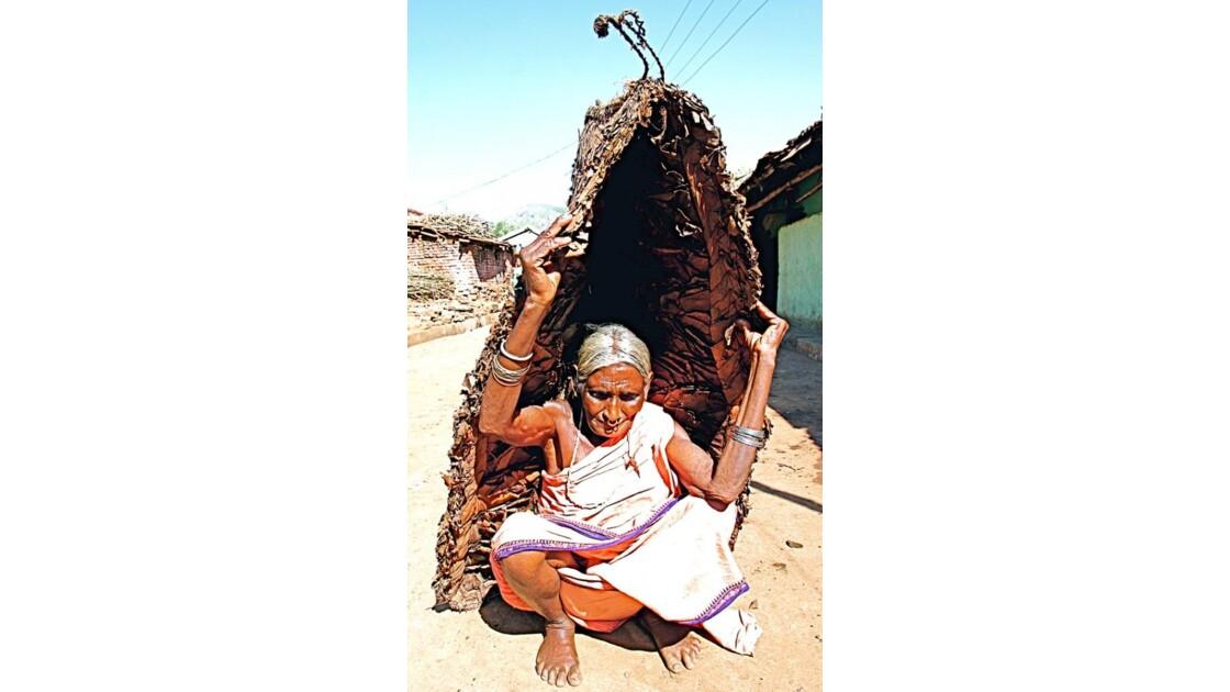 18-75  INDE  (Orissa)