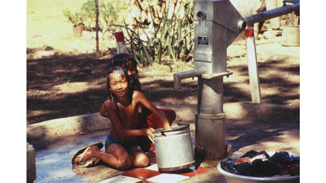 Cambodge corvée de lessive