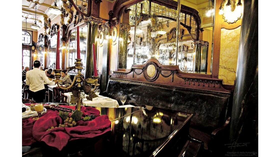 In Café Majestic @ Porto (6)