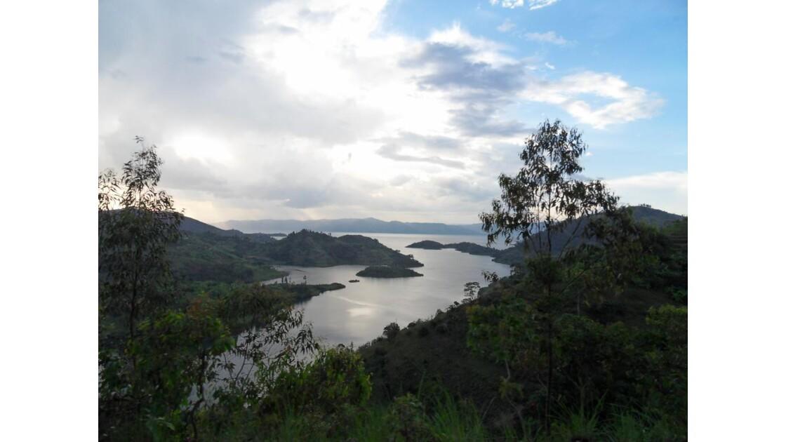 coucher de soleil sur le lac Kivu