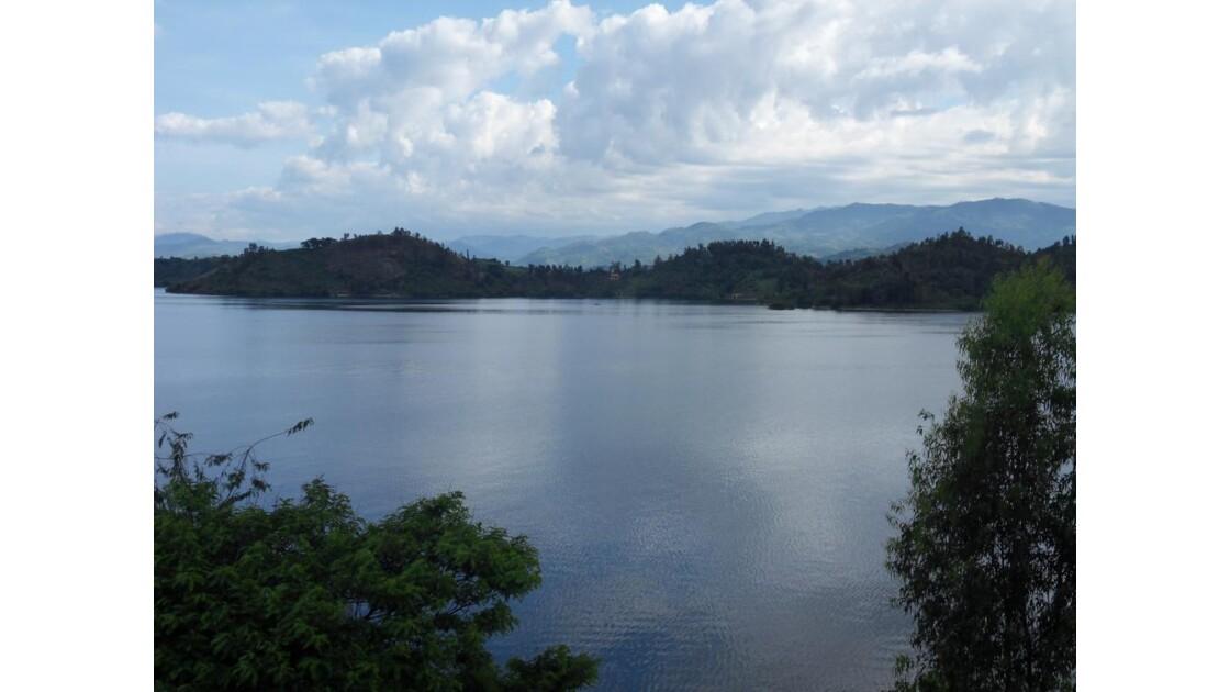 diverses iles sur le lac Kivu