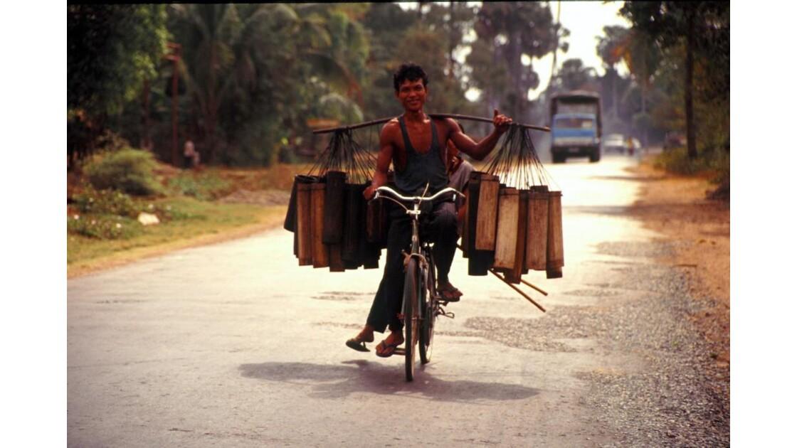 Cambodge recueil de jus de palme 5