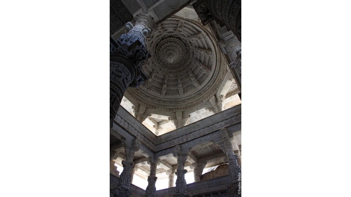 Ranakpur dôme du temple jaïn