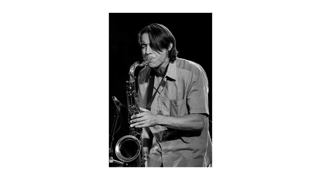 Le saxophoniste . . .