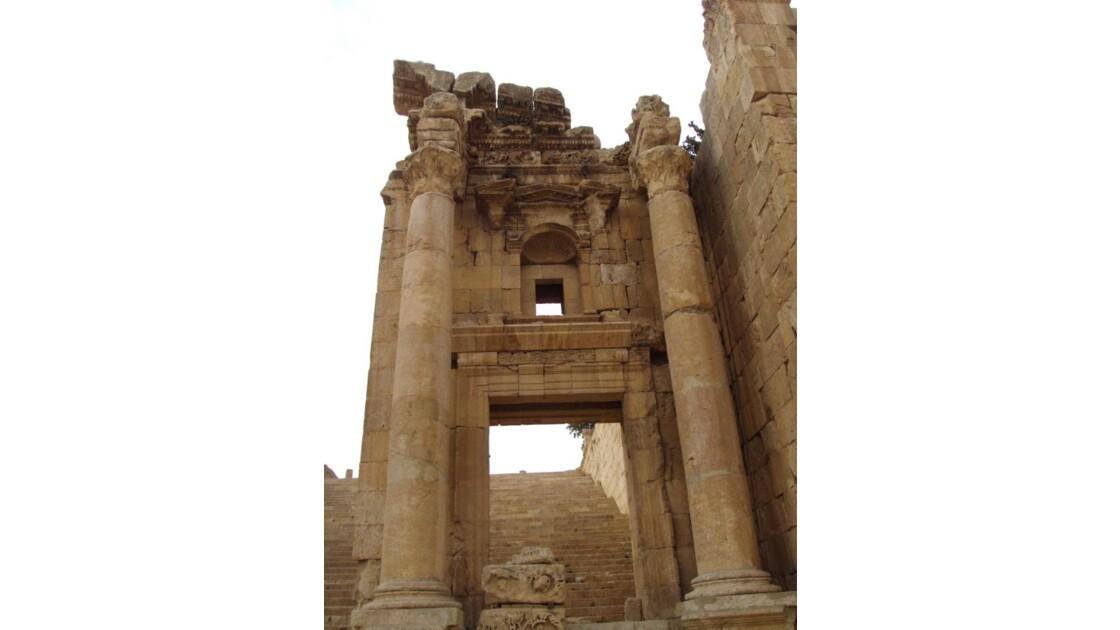 192. colonnes du temple d'Artémis jpg