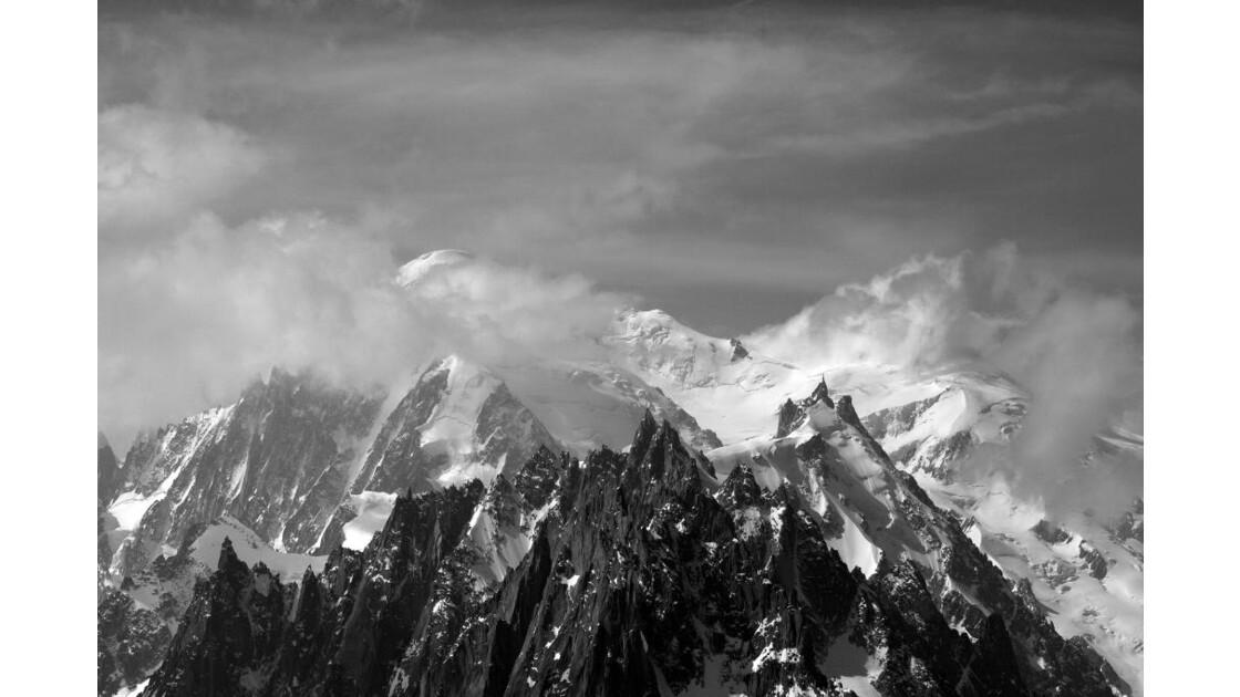 Le Mont Blanc . . .
