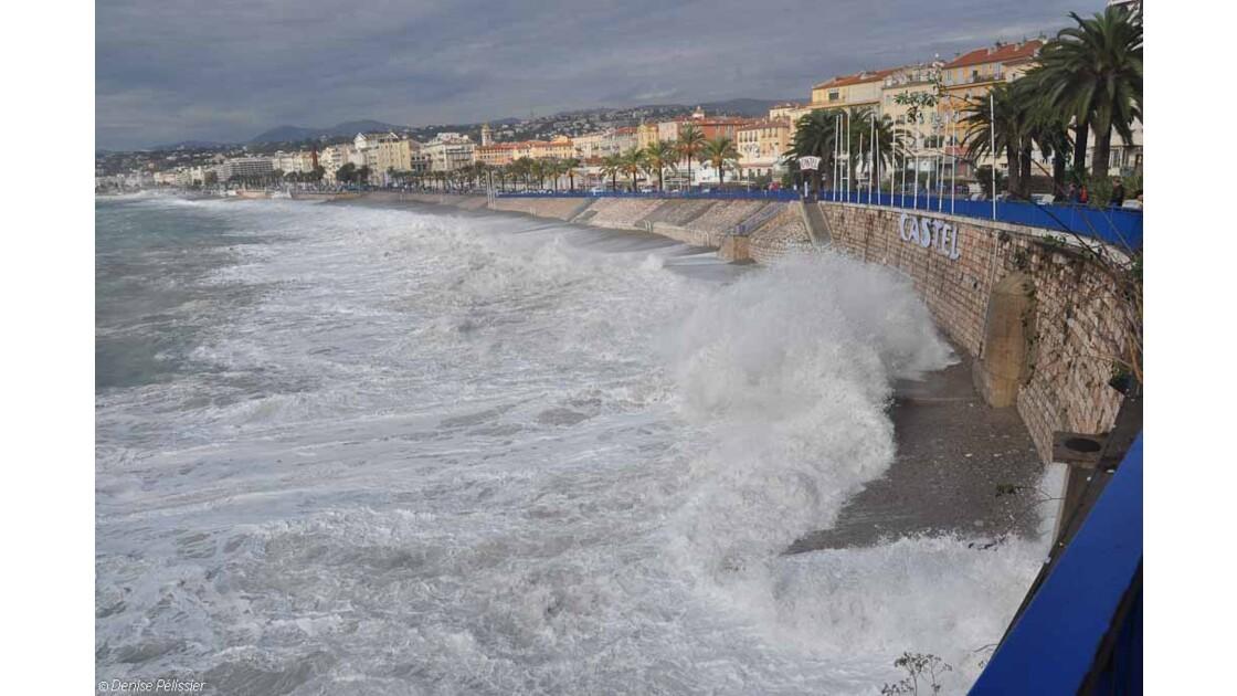Nice: baie des anges en colère