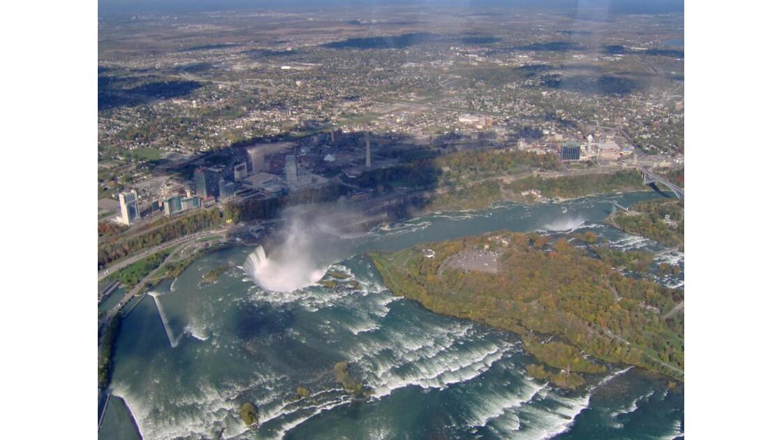 Chutes du Niagara en hélicoptére