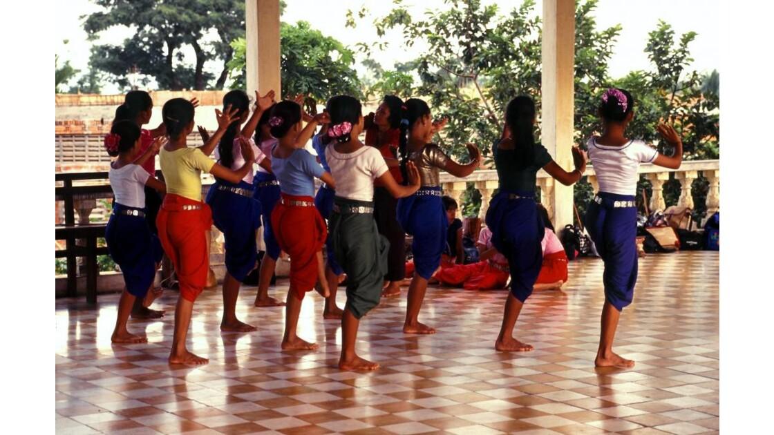 Cambodge danse1
