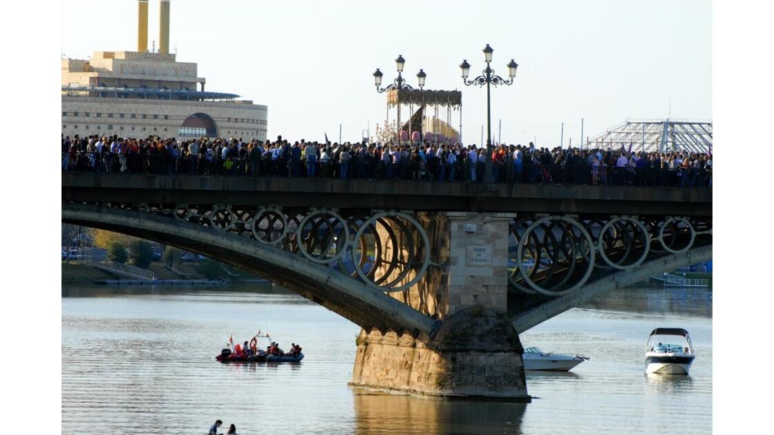 Séville Vierge sur le pont de Triana