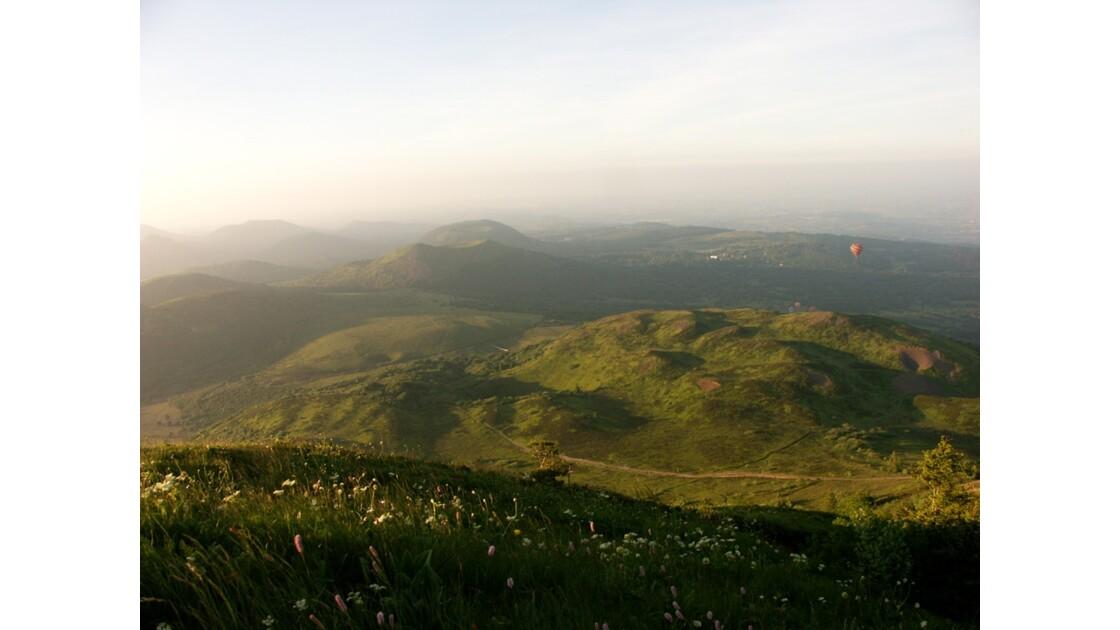 Chaines des Puys au coucher du soleil
