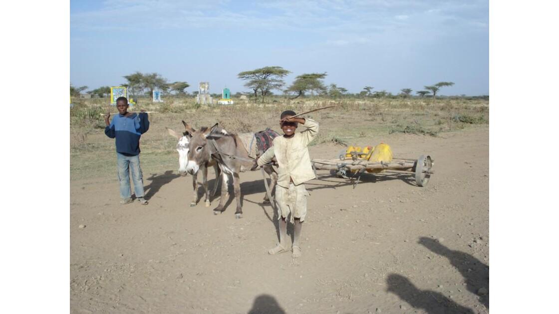 Enfants, sur la route de Awasa