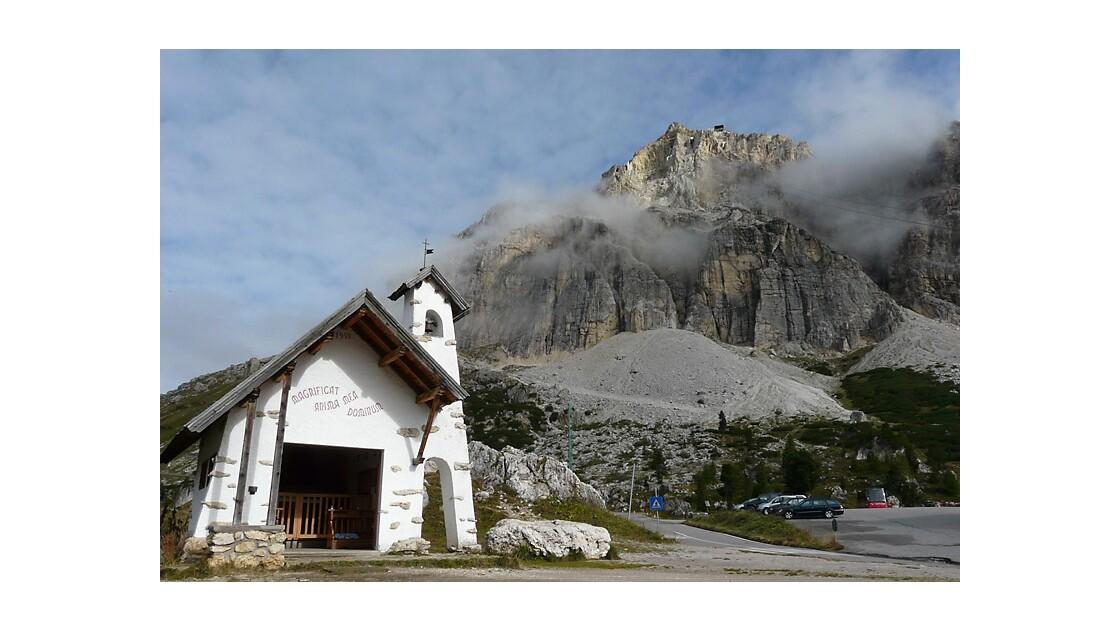 Passo di Falzarego et_pic Lagazuoi.jpg