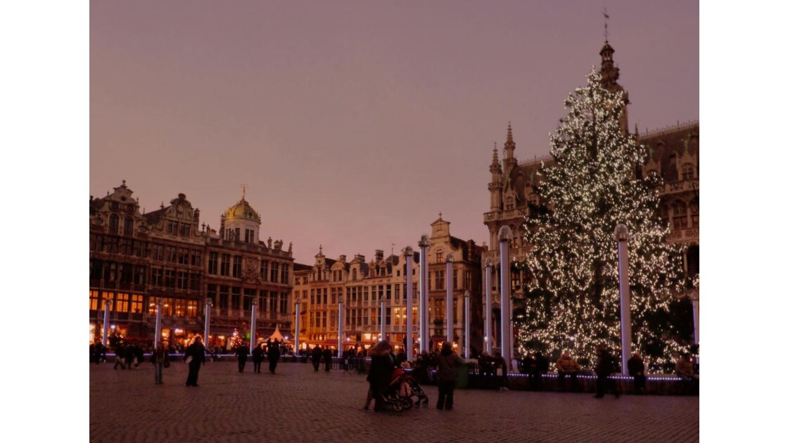 Grand Place, le soir