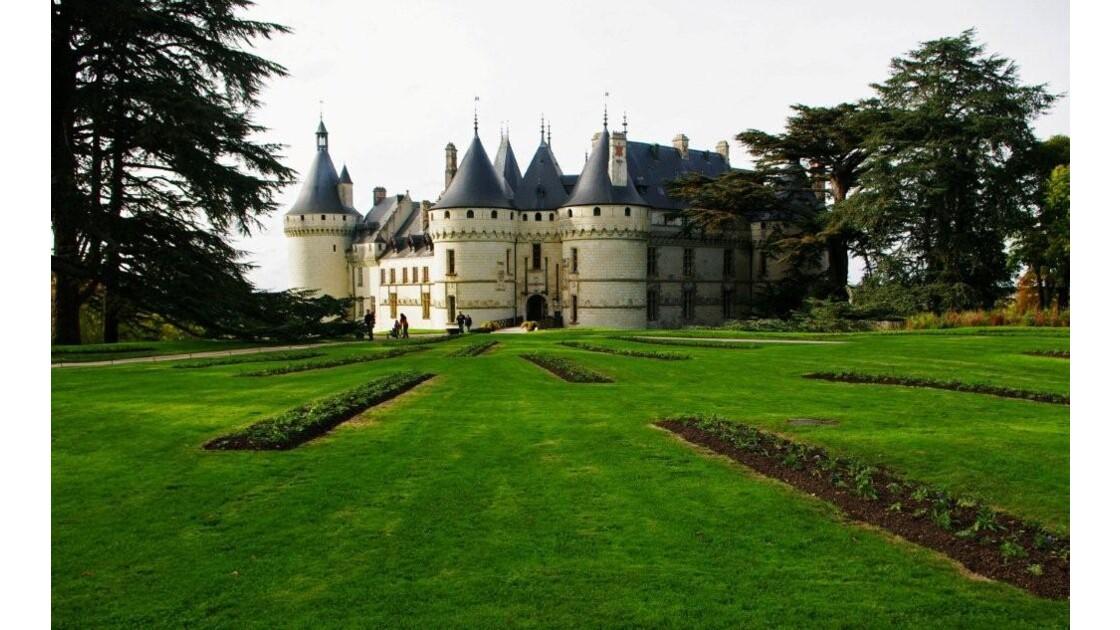 le château de CHAUMONT vu du parc