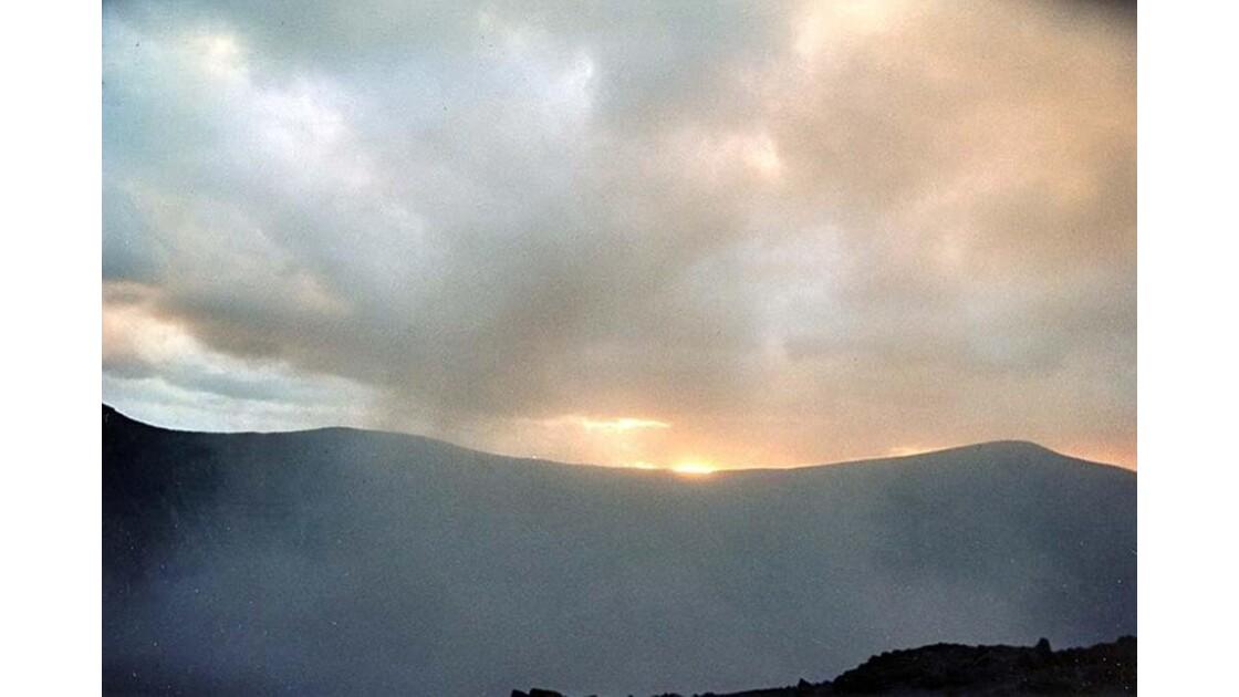 19-30 le volcan Yasur