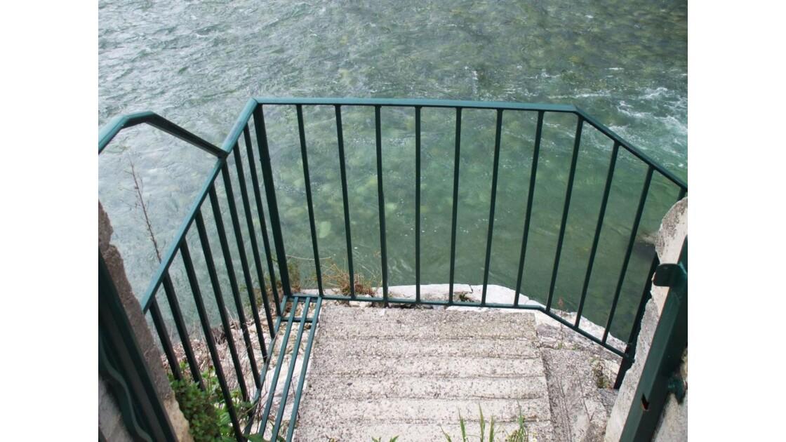 Descendez l'escalier...