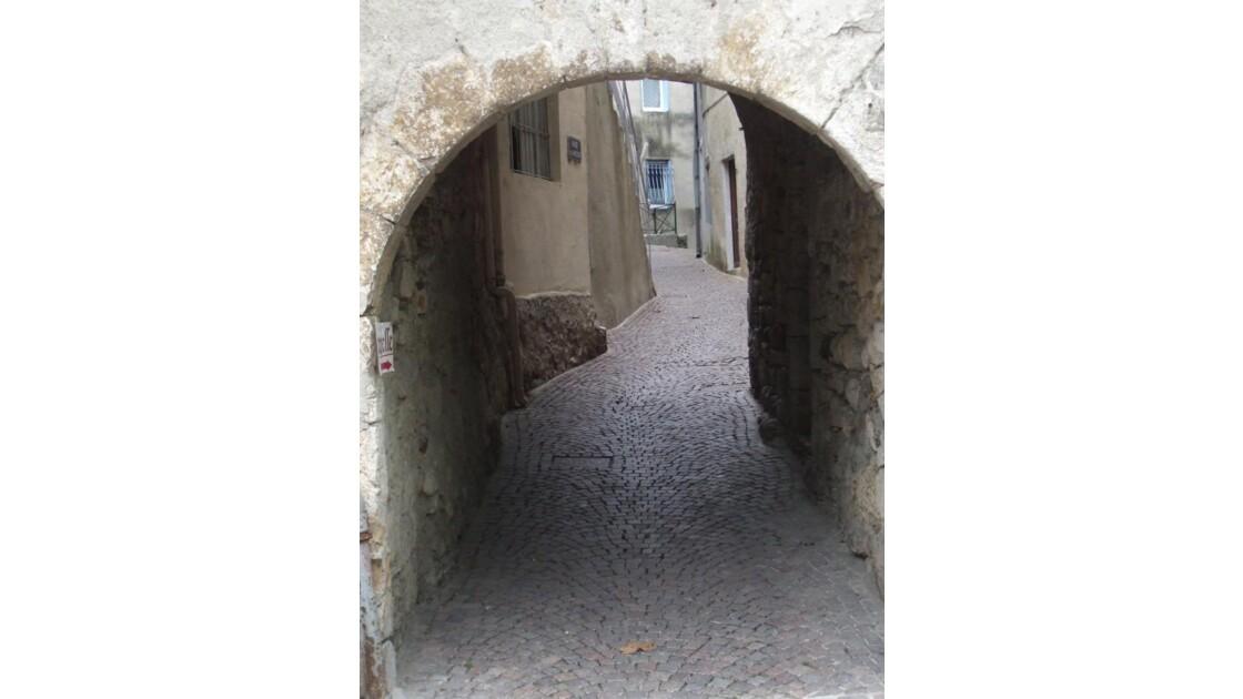 Ruelle (abri providentiel...)