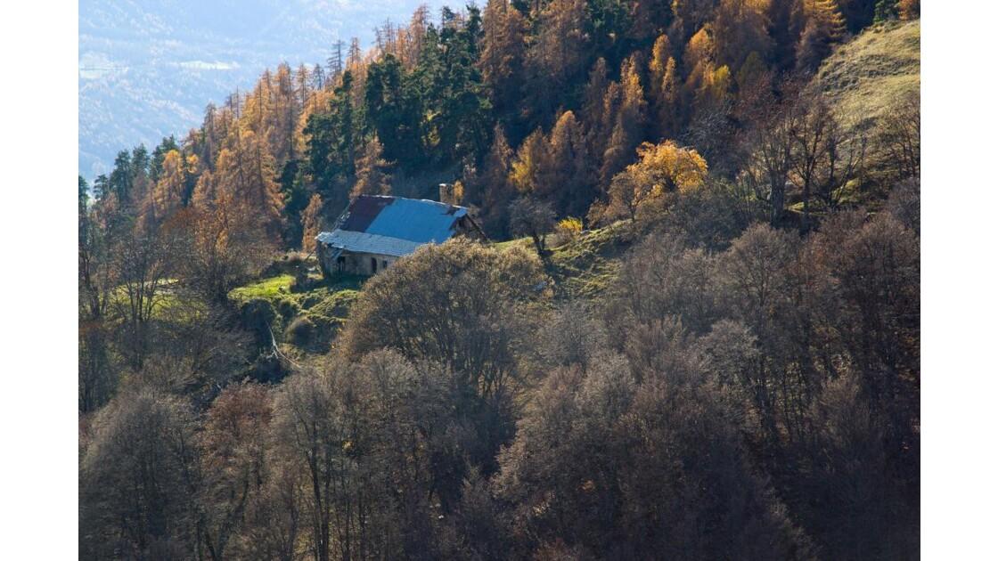 Champsaur à lautomne : la maison isolée