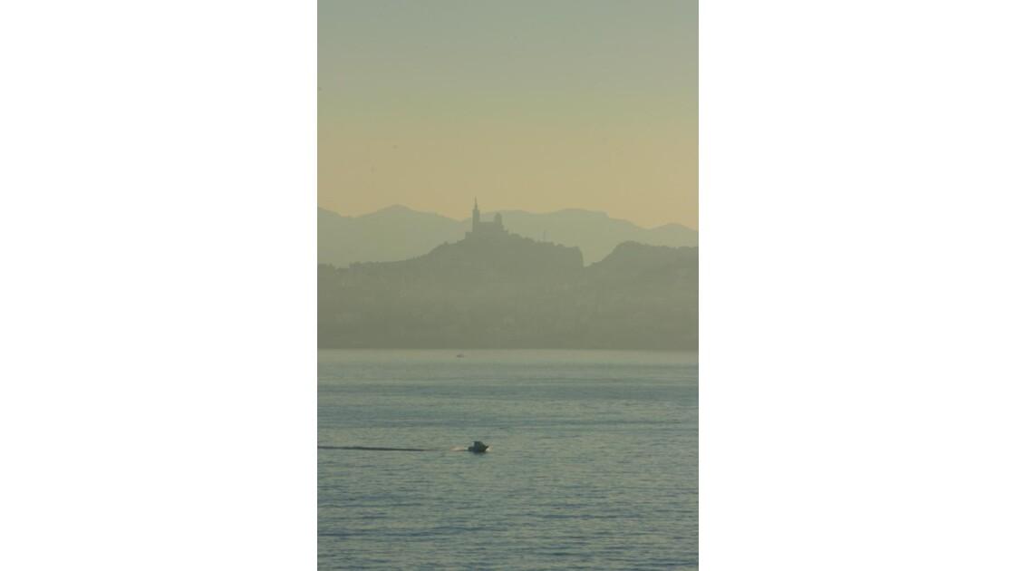 En rentrant au port Marseille