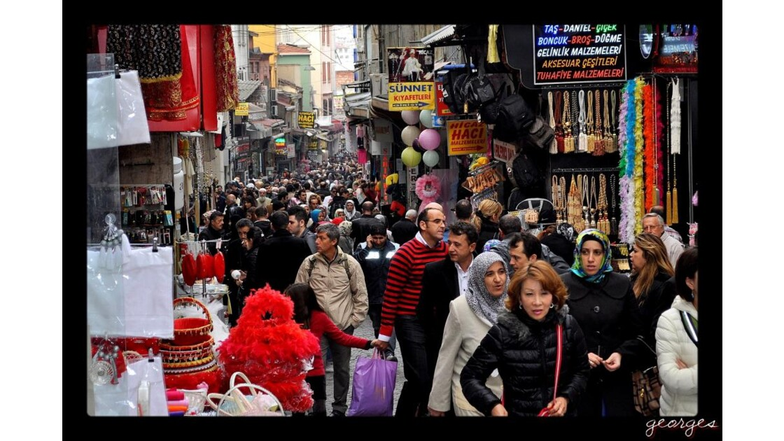 .......Rue Populaire d'Istambul