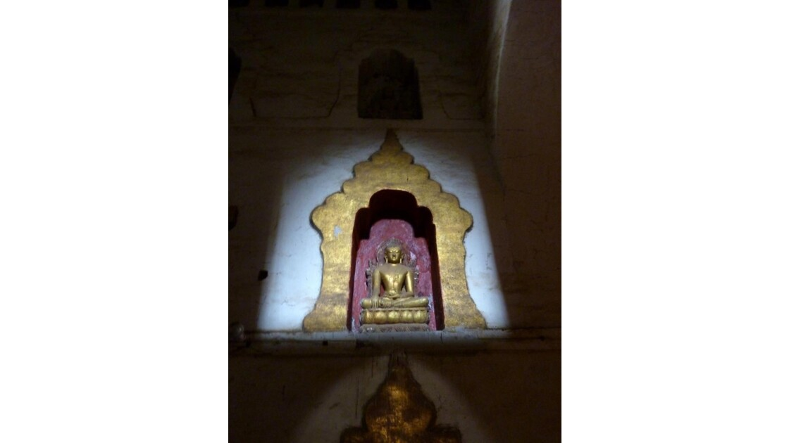Myanmar-Dans les temples de Bagan