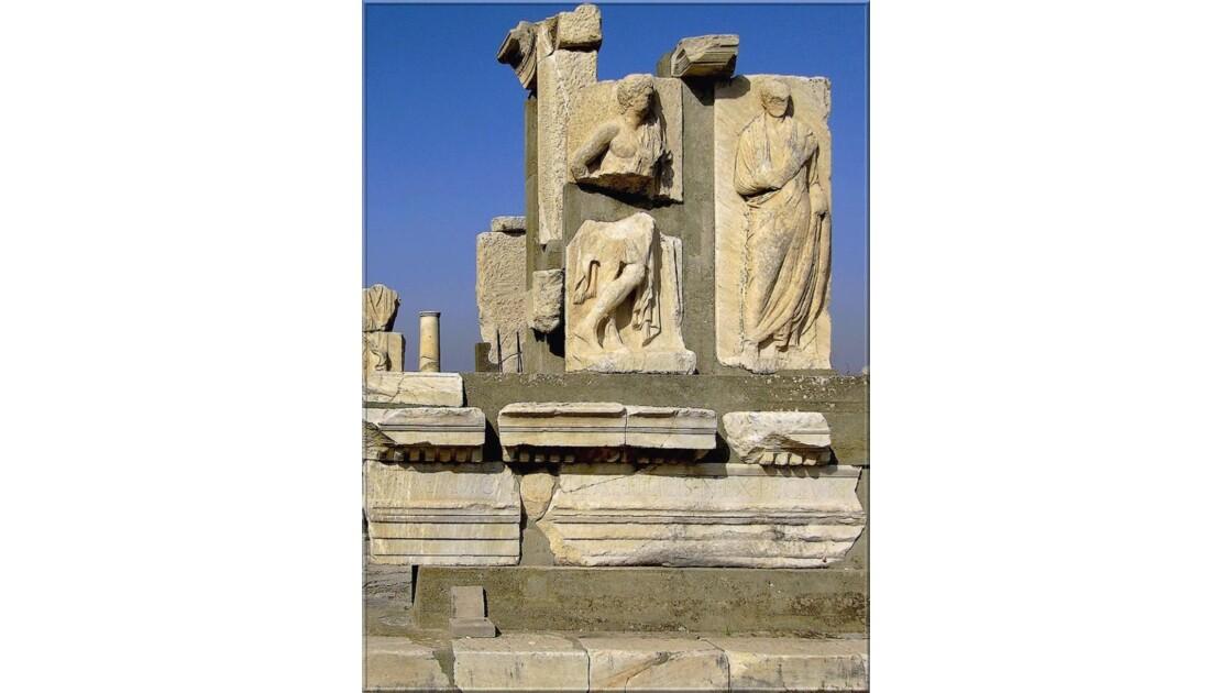 Le monument Memmius en automne