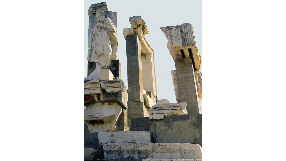 Face sud du monument Memmius