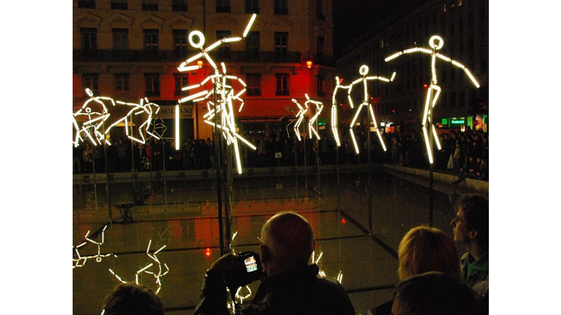 Danseurs de néon
