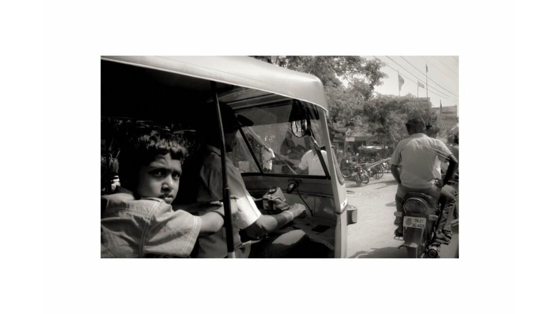 rickshaw_et_gamin__R_solution_de_l__cra