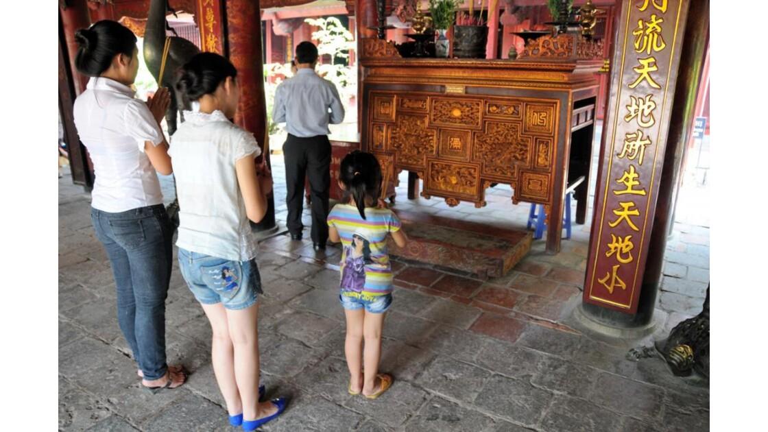 Prières familiales   Hanoï