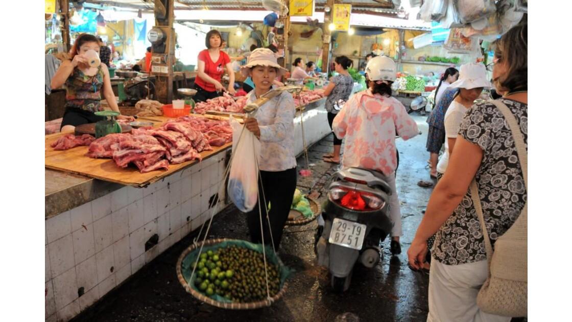 un marché Hanoï