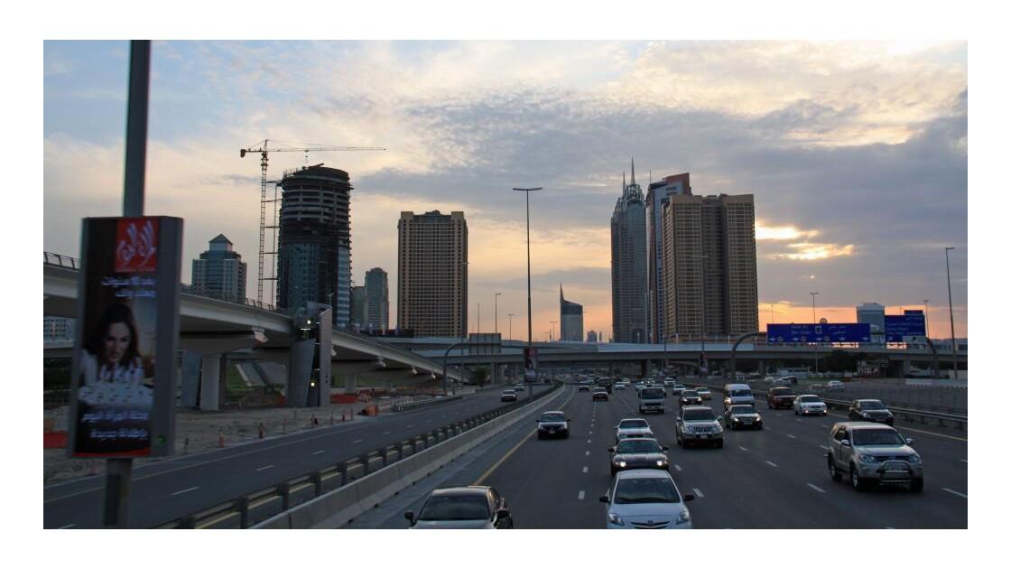 Sheikh_Zayed_Road_4.jpg