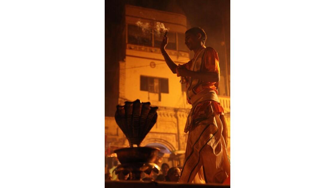 Varanasi_Puja_08.jpg
