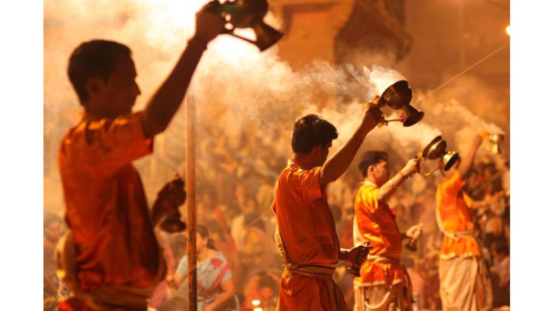 Varanasi_Puja_09.jpg
