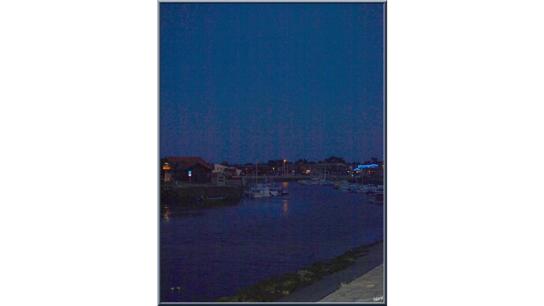Port de Larros de nuit_P7240754.jpg